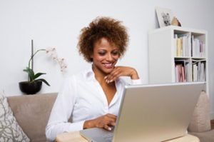 work-home-business-woman-laptop